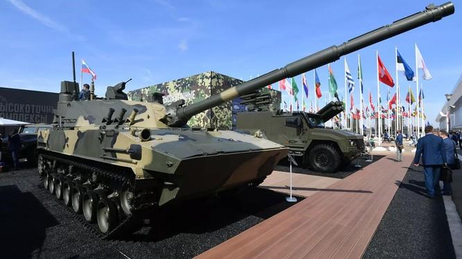 Tăng lội nước của Nga có sức mạnh không thua kém T-80 và T-90 (Ảnh: RIA Novosti)