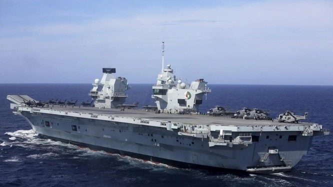 Tàu sân bay HMS Queen Elizabeth của Anh sẽ tới Nhật Bản vào tháng 9 tới để tập trận chung (Ảnh: AP)