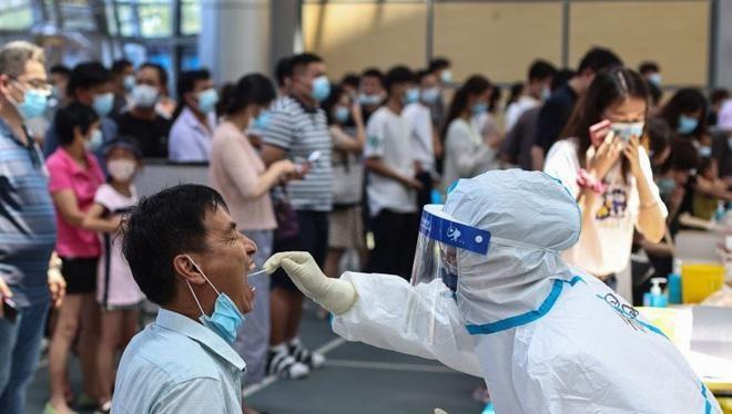 """Trung Quốc đang nỗ lực dập """"ổ dịch"""" ở Giang Tô khi số ca bệnh tăng nhanh trong những ngày qua (Ảnh: AFP)"""