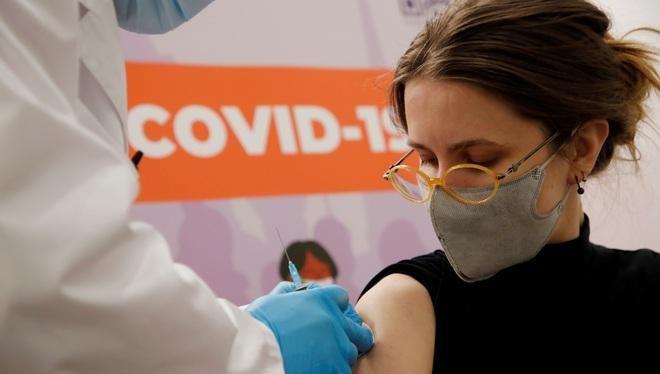 Vắc xin dễ bảo quản hơn có thể tạo nên bước đột phá trong nỗ lực tiêm chủng của nhiều quốc gia (Ảnh minh họa: Reuters)