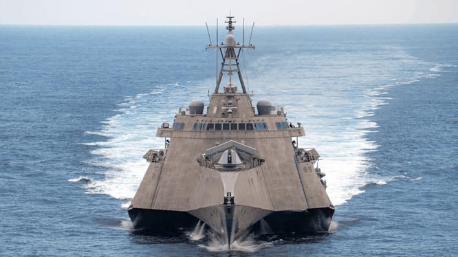 Tàu USS Gabrielle Giffords, một biến thể lớp Independent của tàu LCS (Ảnh: US Navy)