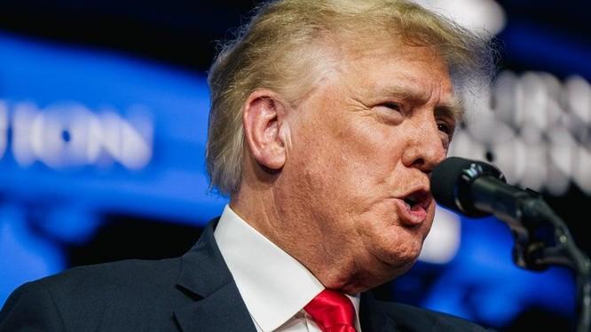 """Donald Trump chỉ trích chính quyền Joe Biden vì tiến trình rút quân """"ô nhục"""" khỏi Afghanistan (Ảnh: Yahoo News)"""