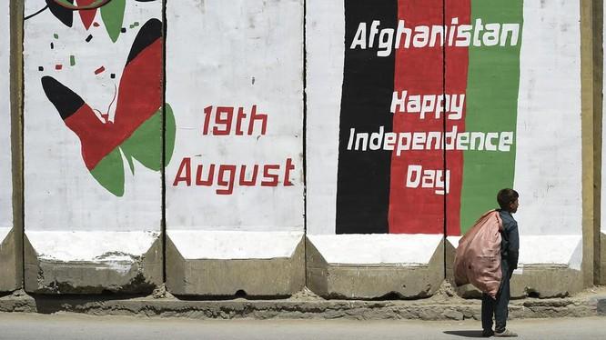 80% nguồn ngân sách để vận hành đất nước Afghanistan biến mất chỉ sau một đêm (Ảnh: AFP)