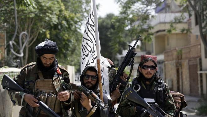 """Sau khi Taliban lên cầm quyền ở Afghanistan, nhiều bên lo ngại quốc gia này có thể sẽ trở thành nơi """"sinh sôi của chủ nghĩa khủng bố"""" (Ảnh: Getty)."""