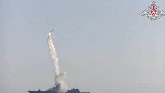 Hình ảnh thử nghiệm tên lửa được Bộ Quốc phòng Nga công bố ngày 19/7/2021 (Ảnh: RT)