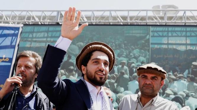 Lãnh đạo phe kháng chiến ở Afghanistan, Ahmad Massoud ủng hộ đề xuất hòa đàm (Ảnh: Reuters)