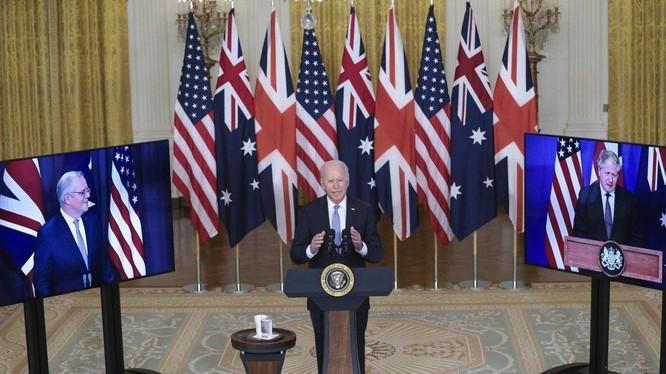 """Lãnh đạo Mỹ, Anh, Australia tổ chức họp báo chung tuyên bố về liên minh mới """"Aukus"""" hôm 15/9 (Ảnh: EPA)"""