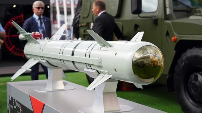Tên lửa dẫn đường, có độ chính xác cao LMUR của quân đội Nga (Ảnh: Iz.ru)
