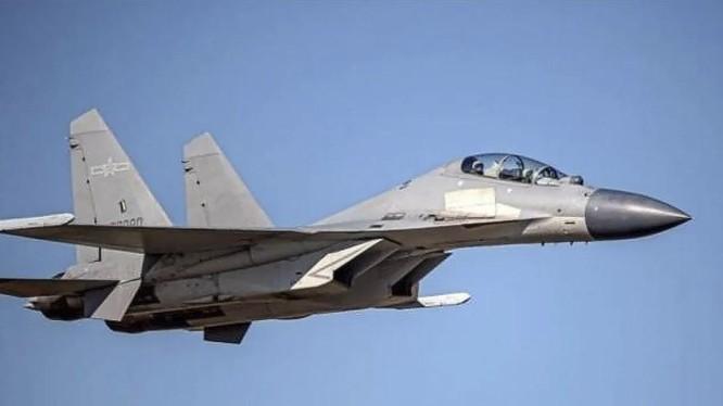 Hình ảnh một chiếc J-16 của PLA mà phía Đài Loan công bố (Ảnh: AP)