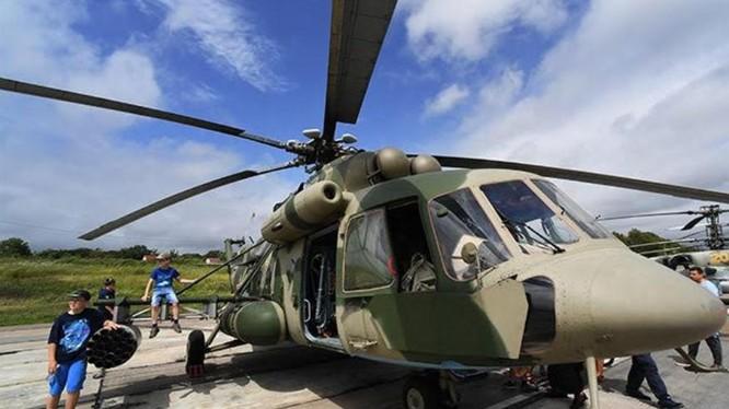 Trực thăng Mi-8AMTSh tại triển lãm quân sự Army-2021 ở Vladivostok, Liên bang Nga (Ảnh: AIF)