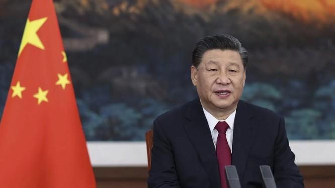Chủ tịch Trung Quốc Tập Cận Bình có cuộc điện đàm với Thủ tướng Nhật Bản Fumio Kishida hôm 8/10 (Ảnh: AP)
