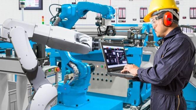 Công nghệ được coi là giải pháp để đương đầu với những thách thức sắp tới trong môi trường kinh doanh. Ảnh: Tech Wire Asia