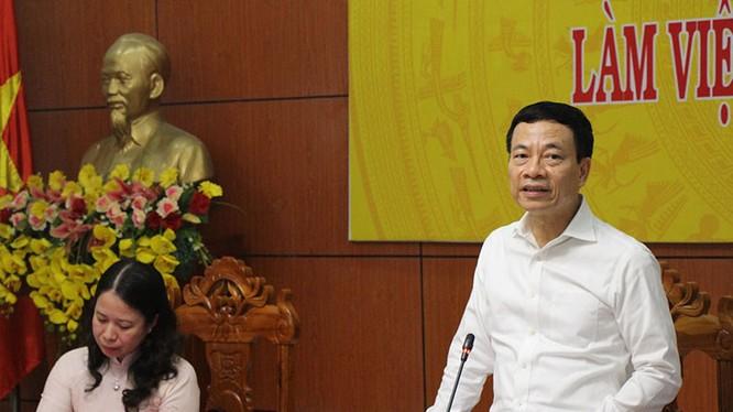"""Phát triển CNTT """"hoàn toàn phụ thuộc vào ý chí của người đứng đầu tỉnh"""" - nhận định của Bộ trưởng Bộ TT&TT Nguyễn Mạnh Hùng. Ảnh: mic.gov.vn"""