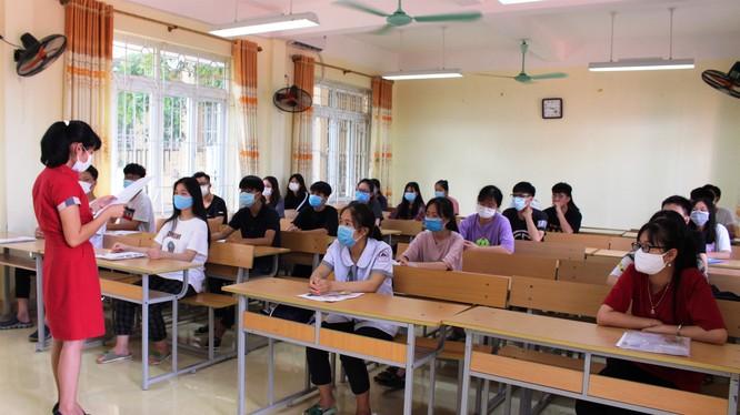 Thí sinh tham dự kỳ thi tốt nghiệp THPT 2020. Ảnh: Internet.