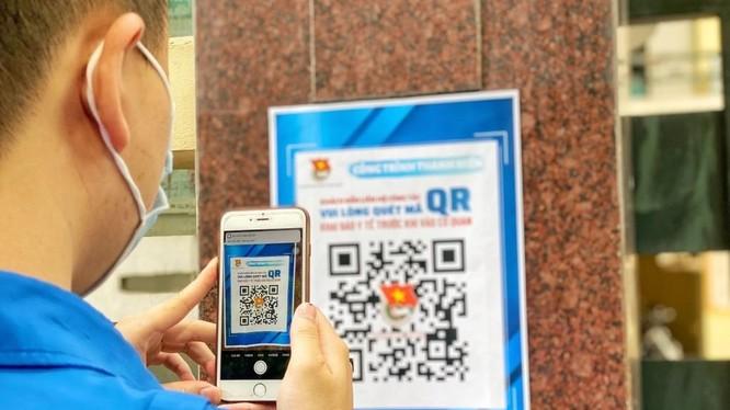 Thành đoàn Hà Nội bố trí bộ QR code trước cổng trụ sở cơ quan. Ảnh: Thành đoàn Hà Nội.