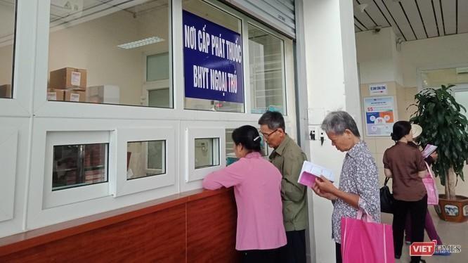 Người dân được dùng hình ảnh thẻ bảo hiểm y tế trên ứng dụng VssID thay thẻ giấy khi khám chữa bệnh. Ảnh minh họa.