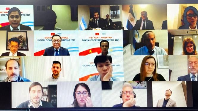 Cuộc họp song phương Việt Nam – Argentina về thúc đẩy hợp tác số. Ảnh: mic.gov.vn.