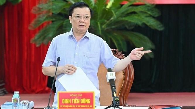 Bí thư Thành ủy Đinh Tiến Dũng phát biểu chỉ đạo tại buổi làm việc. Ảnh: Cổng TTĐT Hà Nội.