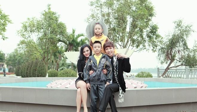 Gia đình ca sĩ Long Nhật