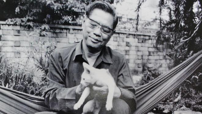 Tổng bí thư Nguyễn Văn Linh tên thật là Nguyễn Văn Cúc, sinh ngày 1/7/1915 tại làng Yên Phú, xã Giai Phạm, huyện Yên Mỹ, tỉnh Hưng Yên.