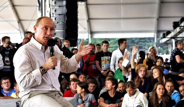 TT V. Putin rất chú trọng đối thoại với người dân