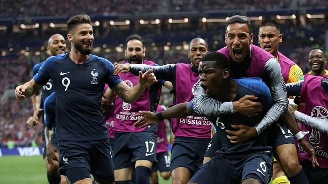Niềm vui của các cầu thủ Pháp sau khi ghi bàn vào lưới Croatia.