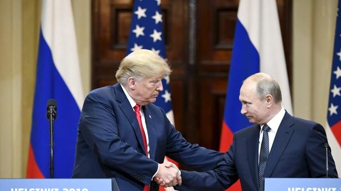 Donald Trump rất coi trọng cuộc gặp ông Putin và tuyên bố cuộc gặp là khởi đầu tốt đẹp cho quan hệ hai nước.