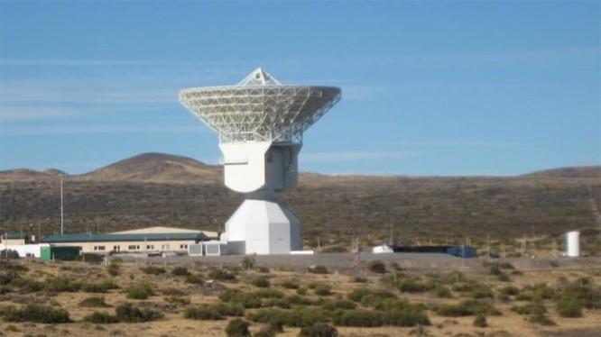 Toàn cảnh trạm liên lạc vệ tinh Trung Quốc tại cao nguyên Patagonia, Argentina.