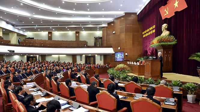 Ngày làm việc đầu tiên của Hội nghị TƯ 8
