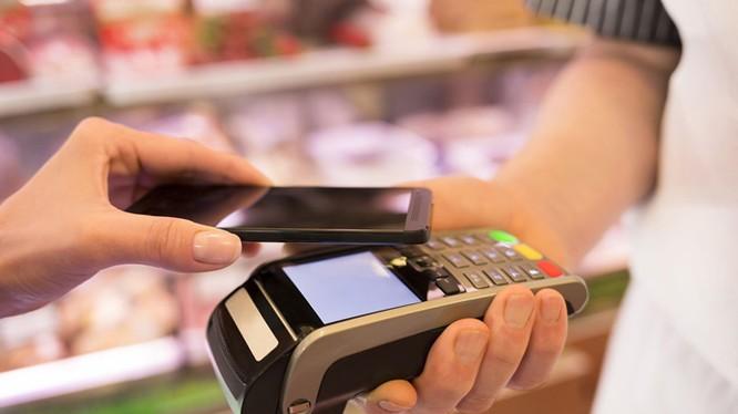 """Hiện nay trên thế giới, với thời gian, xu hướng chung, là các cửa hàng bán lẻ mặt phố sẽ bị hệ thống bán lẻ điện tử """"tiêu diệt""""."""