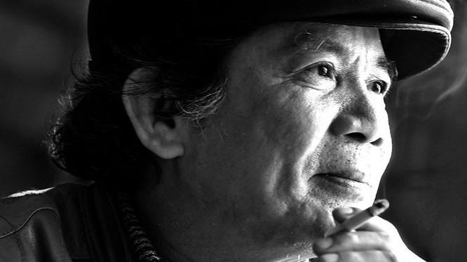 Nguyễn Trọng Tạo đã trở về với dòng sông quê hương, về với cát bụi, nơi ông đã được sinh ra, nuôi dưỡng tâm hồn từ những ngày thơ bé để trở thành người nghệ sỹ đa tài.