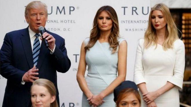 """Tổng thống Trump nhiều lần bác bỏ các cáo buộc và cho rằng ông """"vô tội' và đang bị một cuộc tấn công 'săn tìm phù thủy' và bới lông tìm vết."""