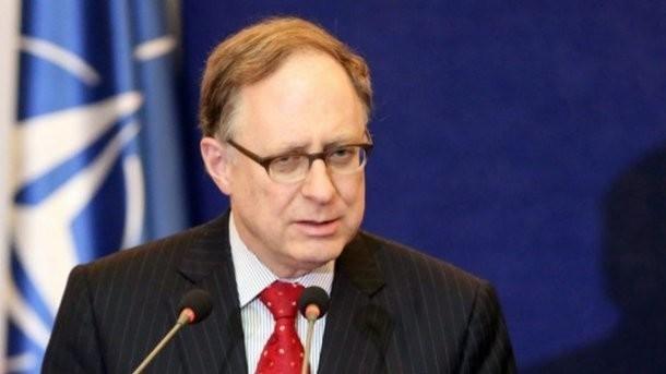 cựu Phó Tổng thư ký NATO Alexander Vershbow.