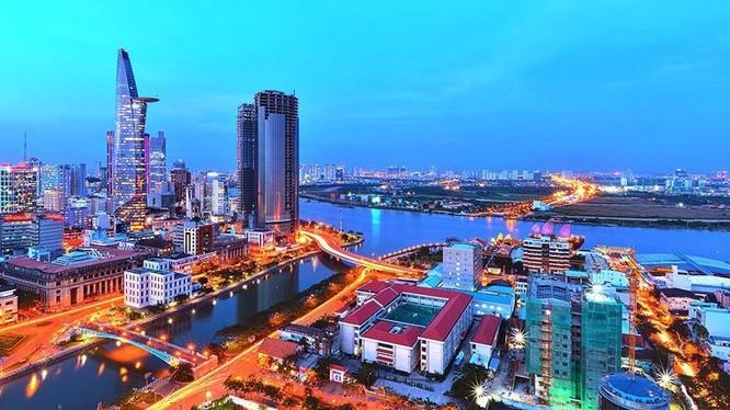 Mặc dù Việt Nam đã tiến những bước dài so với mình trong quá khứ, nhưng thách thức vẫn còn rất lớn khi so sách về sự phát triển với các quốc gia láng giềng.
