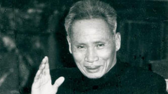 """""""Phải nói như thế nào đó để biến thù thành bạn, phải tìm cách lôi kéo những người đang còn thù chúng ta trở thành bạn của chúng ta...""""- Lời cố Thủ tướng Phạm Văn Đồng."""