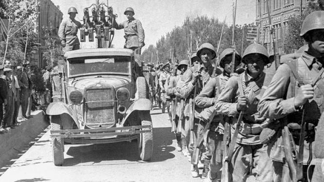 Thập niên 80 Liên Xô đồn trú một lực lượng lớn quân trên lãnh thổ CHDC Đức và các nước Đông Âu