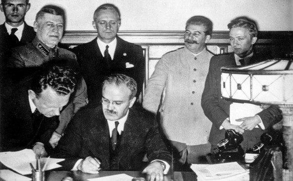 Ký hiệp định Xô- Đức- Ảnh Tư liệu.