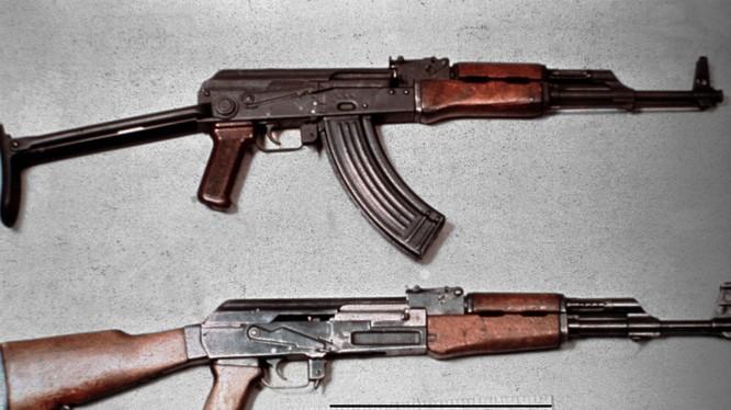 AK-47 và các biến thể của nó được Mikhail Kalashnicov chế tạo năm 1947 là súng tự động tốt nhất thế giới.