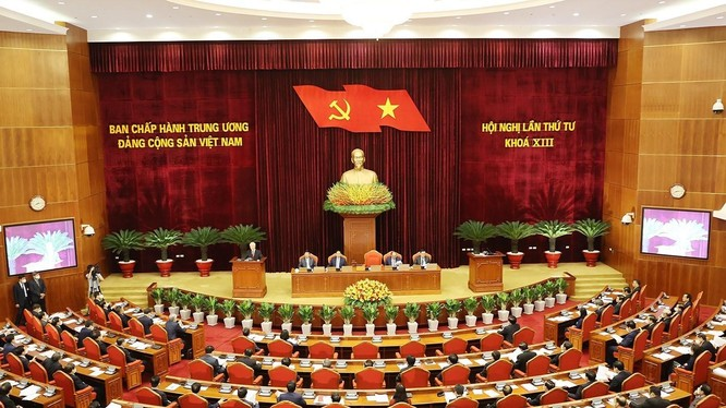 Sáng 4/10/2021, Hội nghị lần thứ tư Ban Chấp hành Trung ương Đảng khóa XIII đã khai mạc trọng thể tại thủ đô Hà Nội. Tổng Bí thư Nguyễn Phú Trọng chủ trì, phát biểu khai mạc hội nghị (Ảnh: TTXVN)