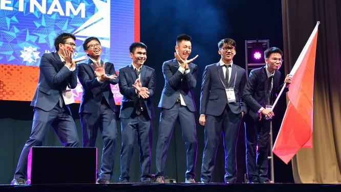Học sinh dự thi Olympic toán quốc tế năm 2019