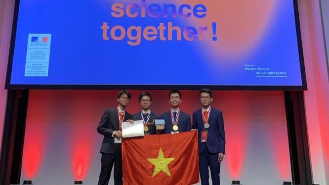 Đội tuyển quốc gia Việt Nam tại Olympic Hóa học quốc tế năm 2019.
