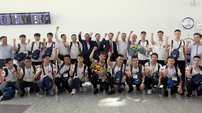 Đoàn Việt Nam trước giờ lên máy bay tham dự kỳ thi tay nghề thế giới năm 2019 tại Kazan, Nga. Ảnh: http://gdnn.gov.vn