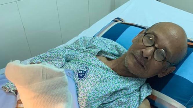 Nhà văn Nguyễn Văn Thọ tại Bệnh viện Xanh Pôn