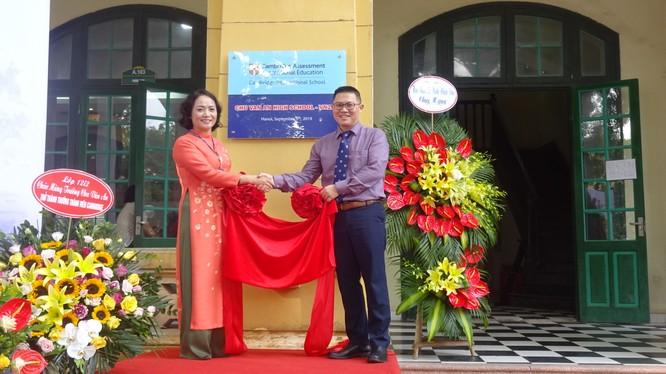 Lễ gắn biển mã trường Cambridge Intenational VN283 cho Trường THPT Chu Văn An.