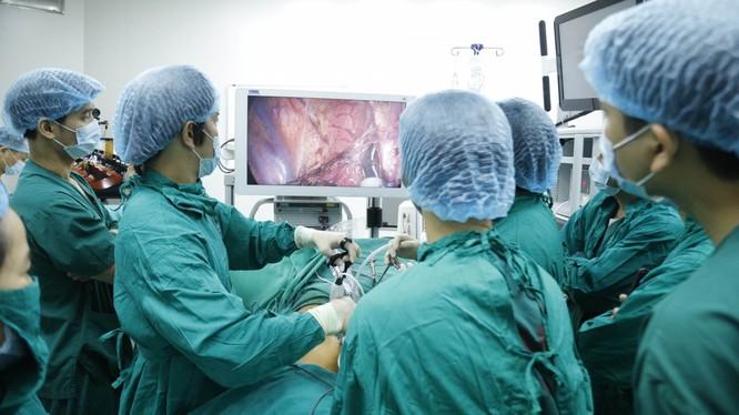 Nội soi 3D điều trị ung thư thực quản.