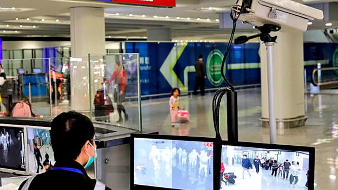 Camera đo thân nhiệt, phát hiện hành khách mắc bệnh viêm phổi lạ ở sân bay (Ảnh: Epoch Times)