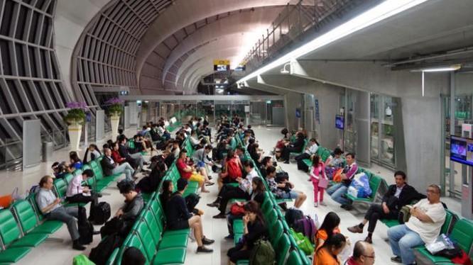 Bộ Y tế Công cộng Thái Lan đã tăng cường giám sát tại bốn sân bay có các chuyến bay hàng ngày từ Vũ Hán - Suvarnabhumi, Don Mueng, Chiang Mai và Phuket và bất kỳ sân bay nào nhận các chuyến bay điều lệ từ thành phố. Ảnh: ST FILE