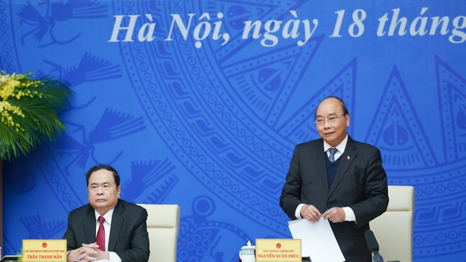Thủ tướng Chính Phủ Nguyễn Xuân Phúc chủ trì hội nghị. Ảnh: Quang Hiếu