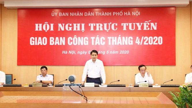 Ông Nguyễn Đức Chung – Chủ tịch UBND TP. Hà Nội chủ trì hội nghị. Ảnh: Nguyễn Khánh