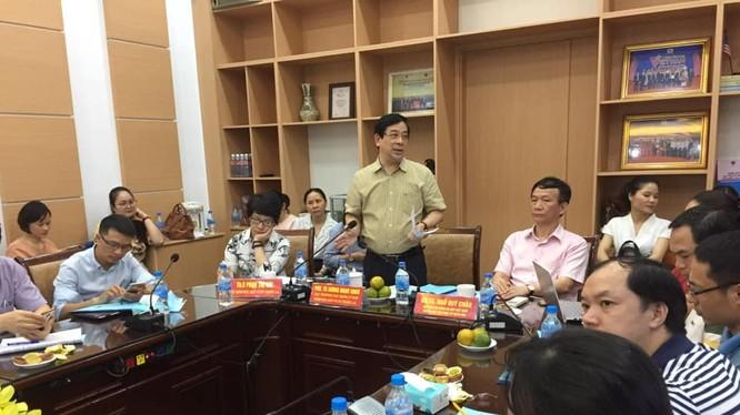 PGS.TS. Lương Ngọc Khuê - Cục trưởng Cục Quản lý Khám chữa bệnh (Bộ Y tế), Phó trưởng Tiểu ban điều trị - Ban Chỉ đạo Quốc gia phòng, chống COVID-19. Ảnh: Lê Hảo